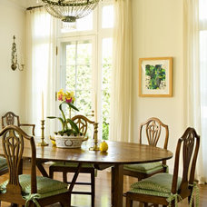 Traditional Dining Room by Elizabeth Dinkel