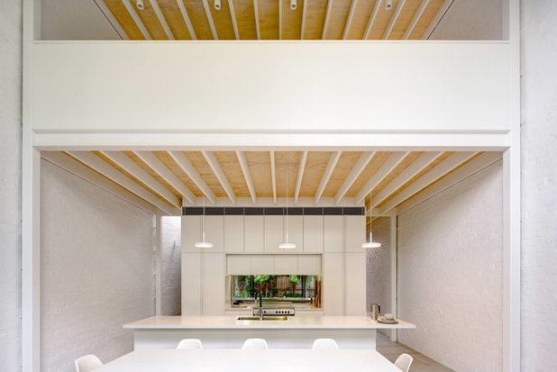 Contemporary Dining Room by Kreis Grennan Architecture