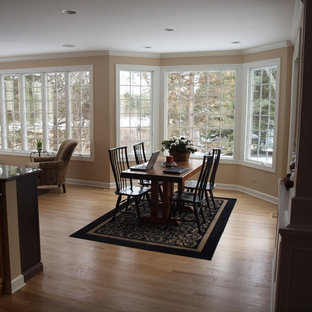 Kitchen/dining room combo - mid-sized traditional light wood floor kitchen/dining room combo idea in Chicago with beige walls