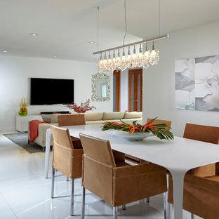 Foto de comedor minimalista, grande, abierto, con paredes blancas y suelo de mármol