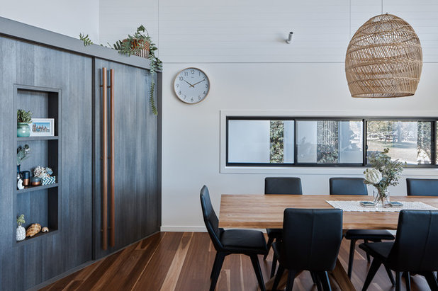 Beach Style Dining Room by Justin Humphrey Architect