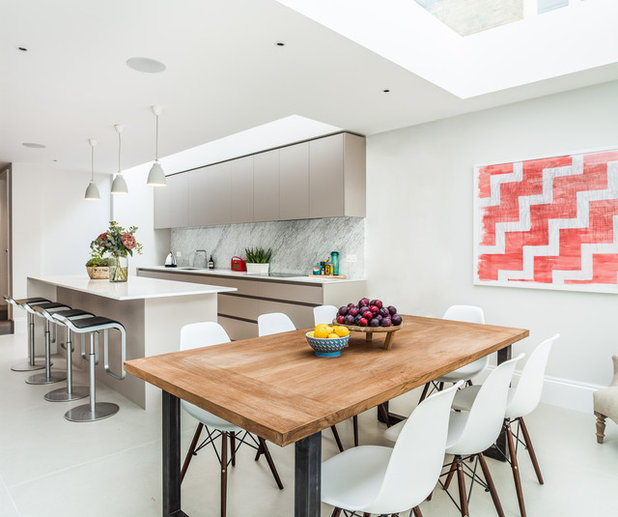 Contemporary Dining Room by Jo Cowen Architects