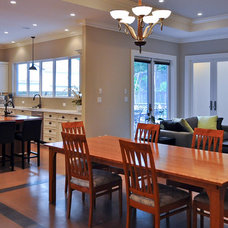 Contemporary Dining Room by Synthesis Design Inc.
