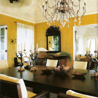 Design ideas for a tropical dining room in New York.