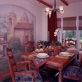 Design ideas for a mid-sized arts and crafts dining room in San Francisco.