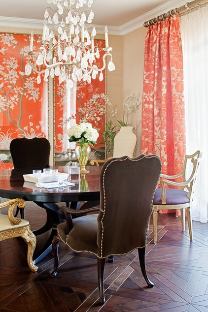 traditional dining room by Jamie Herzlinger