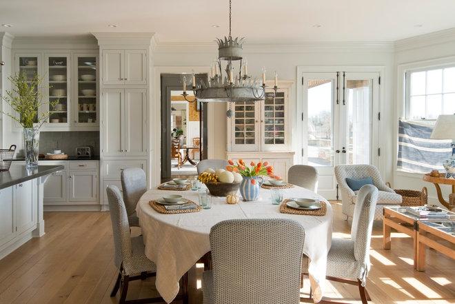 Dining Room by Carrier and Company Interiors Ltd.