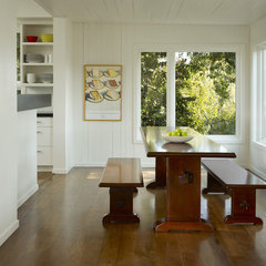 modern dining room by Cary Bernstein Architect