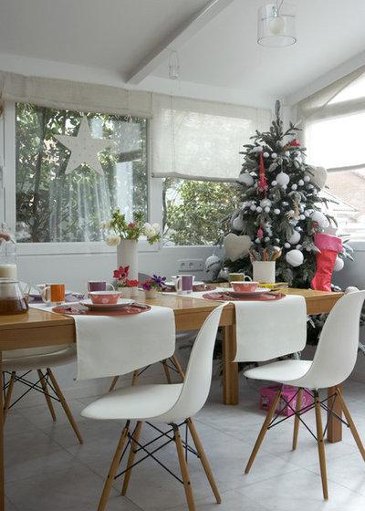 Scandinavian Dining Room by Dafne Vijande