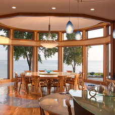Beach Style Dining Room by DesRosiers Architects
