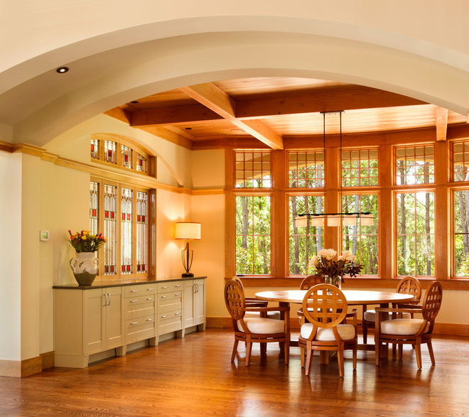 Traditional Dining Room by Wayne Windham Architect, P.A.