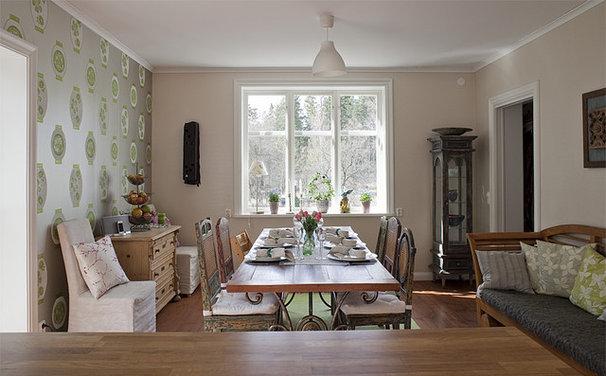 Eclectic Dining Room by Fotograf Lisbet Spörndly