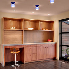 Modern Dining Room by Michael Knowles, Architect