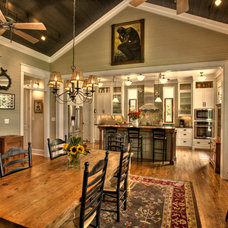 Craftsman Dining Room by Sheffield Construction Company, Inc