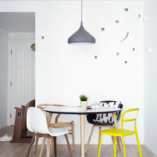 Eclectic Dining Room by hoo Interior Design & Styling