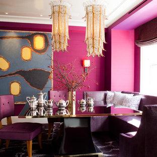 Modern inredning av en matplats, med rosa väggar och heltäckningsmatta