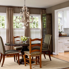 Beach Style Dining Room by Jules Duffy Designs