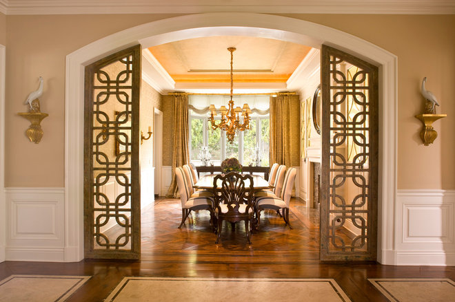 Traditional Dining Room by Harte Brownlee & Associates Interior Design