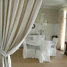 Beach Style Dining Room by Peridot Decorators, Inc.