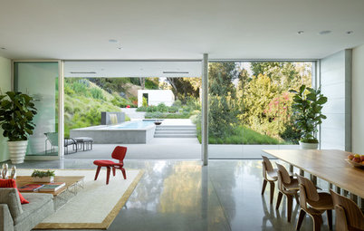 Houzz Tour: A Contemporary Retreat Nestled in an Urban Canyon