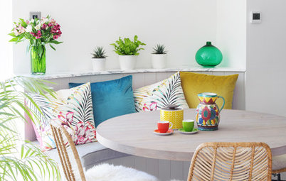 10 Banquette Seating Ideas for Your Kitchen