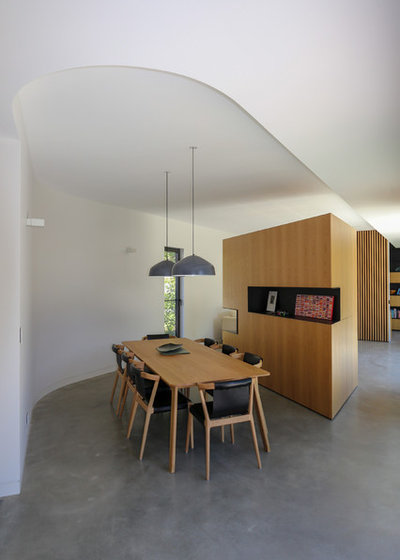 Contemporary Dining Room by Rob Henry Architects