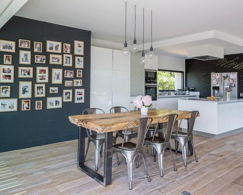 salle a manger avec un mur noir photos et idees deco de With salle À manger contemporaine avec cuisine bois et noir