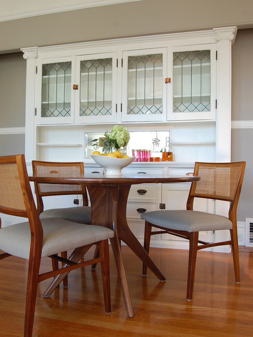 Example Of A Transitional Medium Tone Wood Floor Dining Room Design In San Francisco With Beige