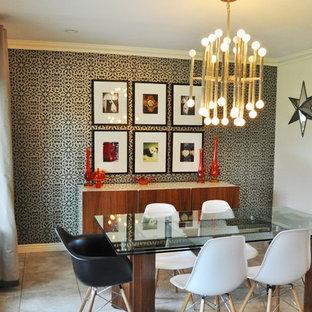 オレンジカウンティの中サイズのコンテンポラリースタイルのおしゃれなLDK (マルチカラーの壁、セラミックタイルの床) の写真