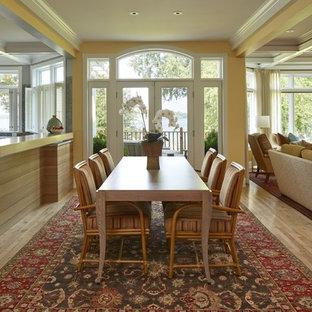 Ispirazione per una sala da pranzo aperta verso il soggiorno tradizionale