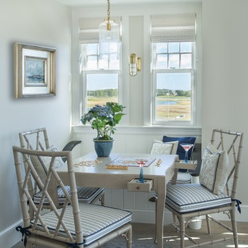 Cozy casual dining with view