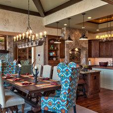 Rustic Dining Room by Glennwood Custom Builders (NC)