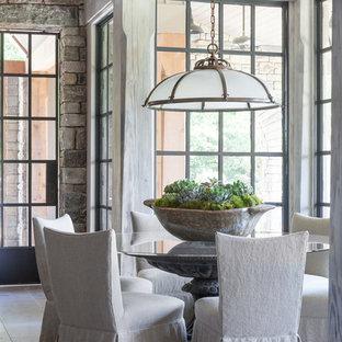 ナッシュビルの小さいトランジショナルスタイルのおしゃれなLDK (ベージュの壁、暖炉なし、グレーの床、ライムストーンの床) の写真