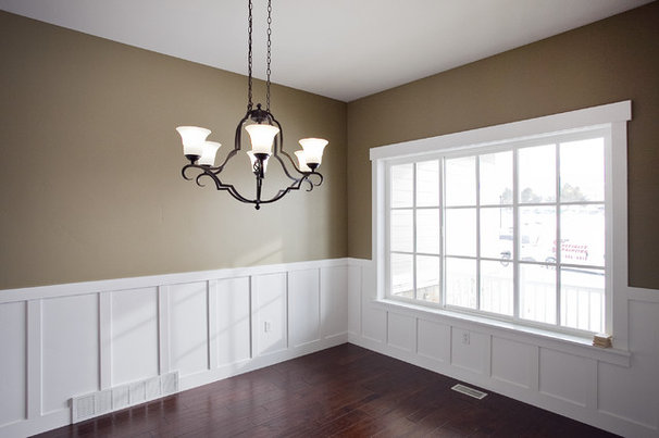 Traditional Dining Room by Candlelight Homes