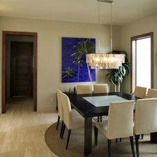 Modern Dining Room by Devonshire Custom Homes