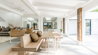 Custom Timber Dining Table - Little Cove, Noosa