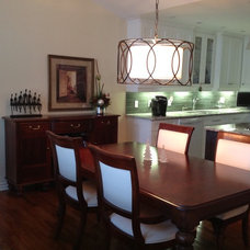 Traditional Dining Room by Don's Light House Ltd