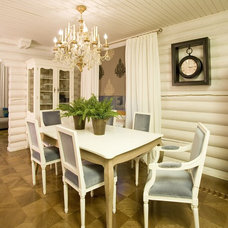 Traditional Dining Room by Irina Tatarnikova Decor
