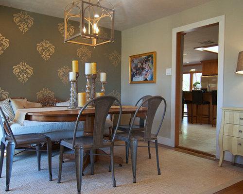 salle manger romantique avec un mur marron photos et id es d co de salles manger. Black Bedroom Furniture Sets. Home Design Ideas