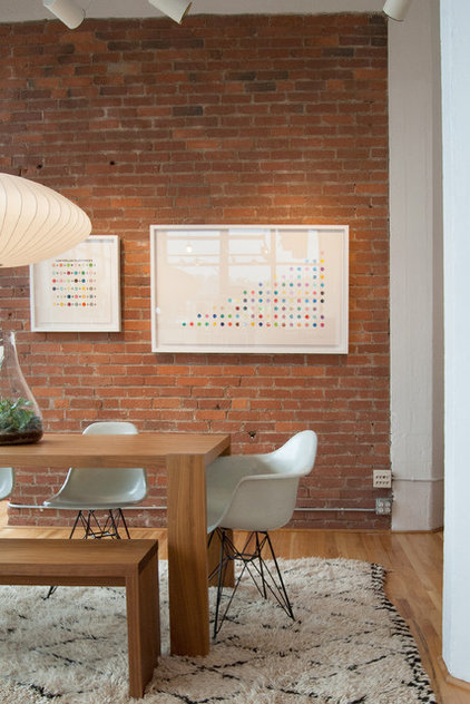 Midcentury Dining Room by Adrienne DeRosa