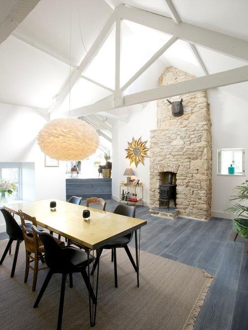salle manger avec un po le bois et un sol en bois fonc photos et id es d co de salles. Black Bedroom Furniture Sets. Home Design Ideas