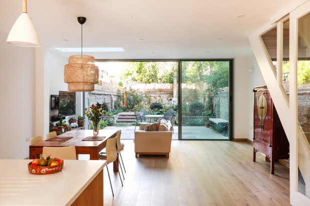 Contemporary Dining Room by Martins Camisuli Architects