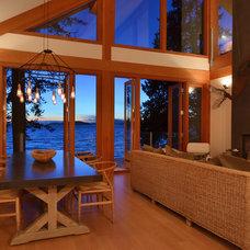 Modern Dining Room by Streamline Design Ltd. - Kevin Simoes
