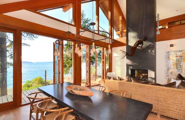 Contemporary Dining Room by Streamline Design Ltd. - Kevin Simoes
