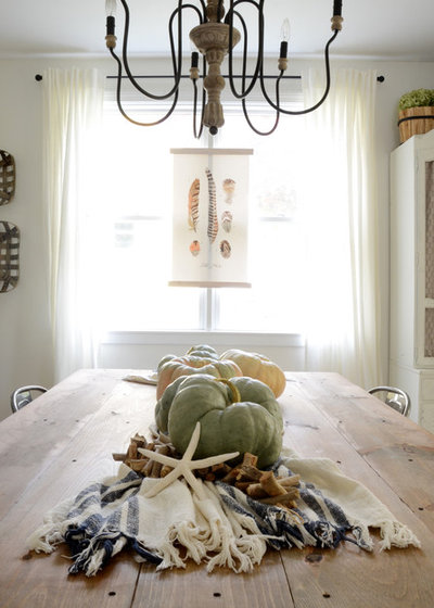 Shabby-chic Style Dining Room by Design Fixation [Faith Provencher]