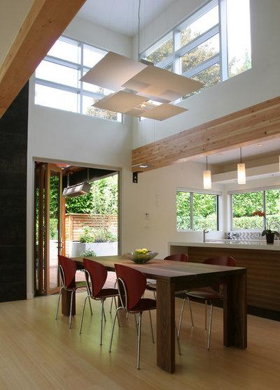 Moderno Sala da Pranzo by Portal Design Inc