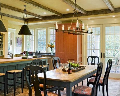 salle manger victorienne avec un mur jaune photos et id es d co de salles manger. Black Bedroom Furniture Sets. Home Design Ideas