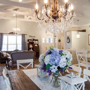 Diseño de comedor romántico, de tamaño medio, abierto, sin chimenea, con paredes blancas, suelo de madera clara y suelo multicolor