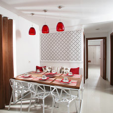 Contemporary Dining Room by Savio & Rupa Interior Concepts (Bangalore)