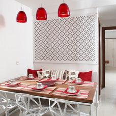 Contemporary Dining Room by Savio & Rupa Interior Concepts (Bangalore)